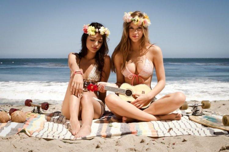 Девчонки на пляжах видео