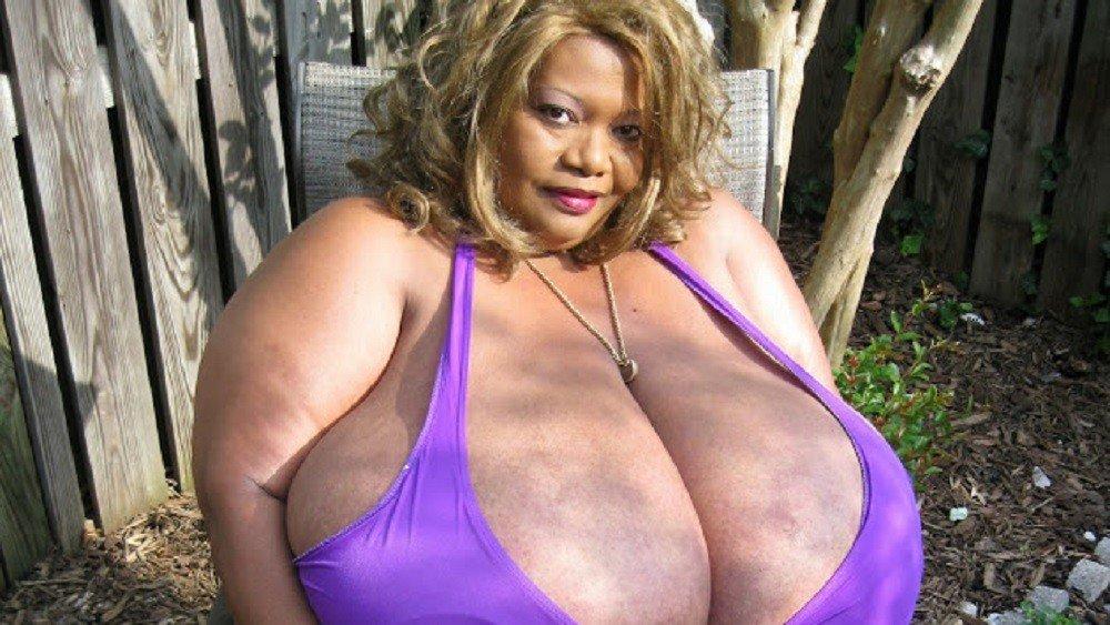 Гигантские женские груди фото 241-57